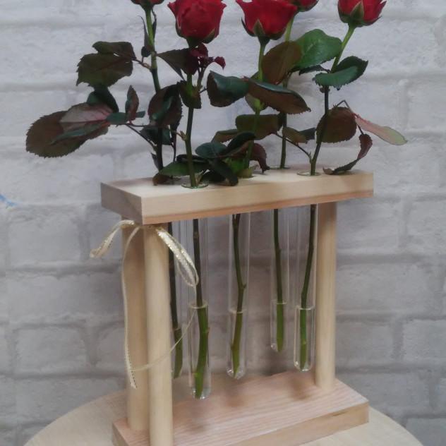Ваза (с розами)  дерево/стекло на 3, 5, или 9 цветков
